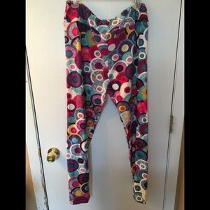 LuLaRoe leggings in Multi color fits 18+ and up